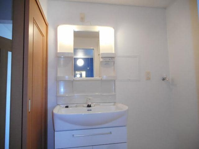 プレッソ前野 Ⅰ 02040号室の洗面所