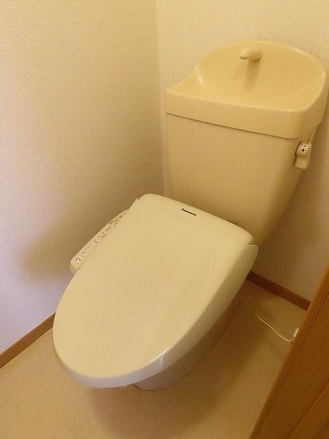エテルノ I 01010号室のトイレ