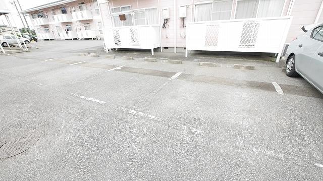 ニューシティ大瀧C 02020号室の駐車場