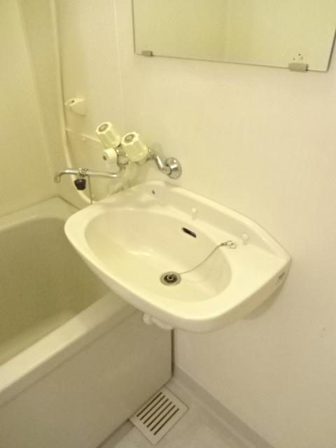 シティハイツ 201号室の洗面所