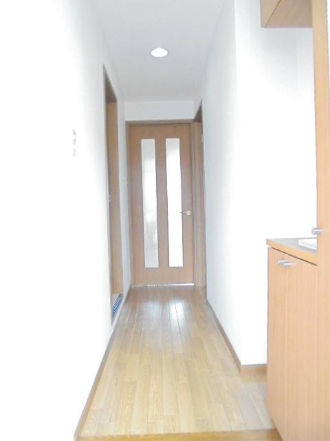 ラーゼンパークⅠ 01020号室の玄関