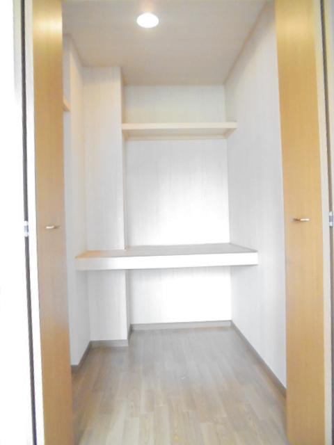 ラーゼンパークⅠ 01020号室の収納