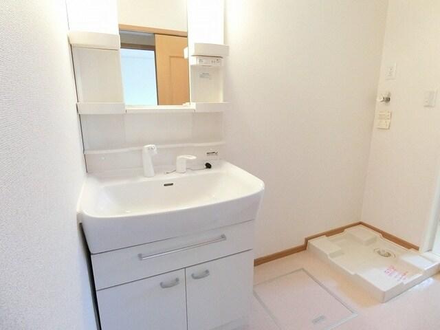 プリムローズT・Y・SA 02010号室の収納