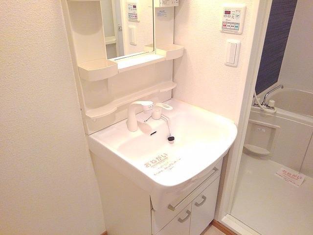 ヌーヴェル・バーグ 03040号室の洗面所