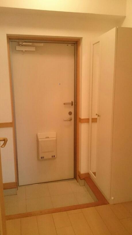 ダカーポAya 403号室の玄関