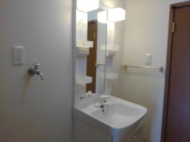 ソレアードⅠ 02030号室の洗面所