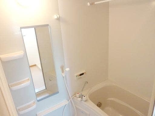 メルヴェィユーパルファンA 01040号室の風呂