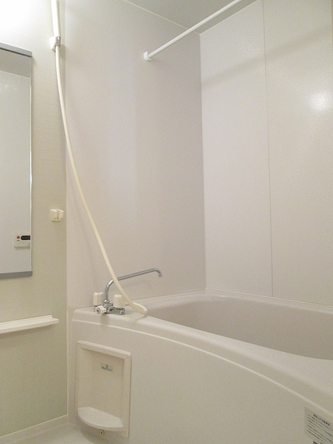 アンプリアル 01040号室の風呂
