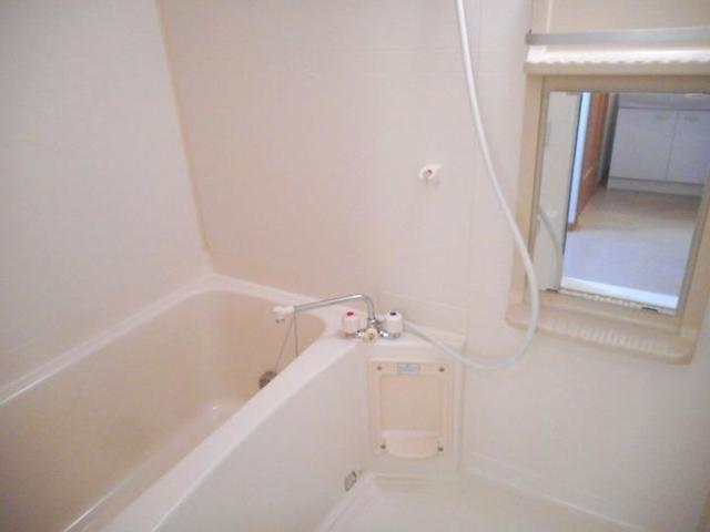 ボヌ-ル・ノワ 01040号室の風呂