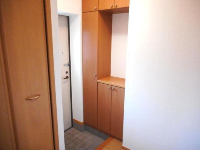 ボヌ-ル・ノワ 01040号室の玄関