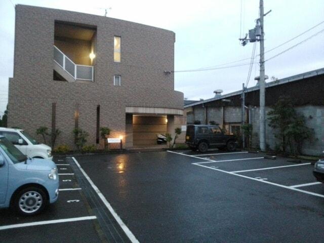 ル・グランパレ 02040号室の駐車場