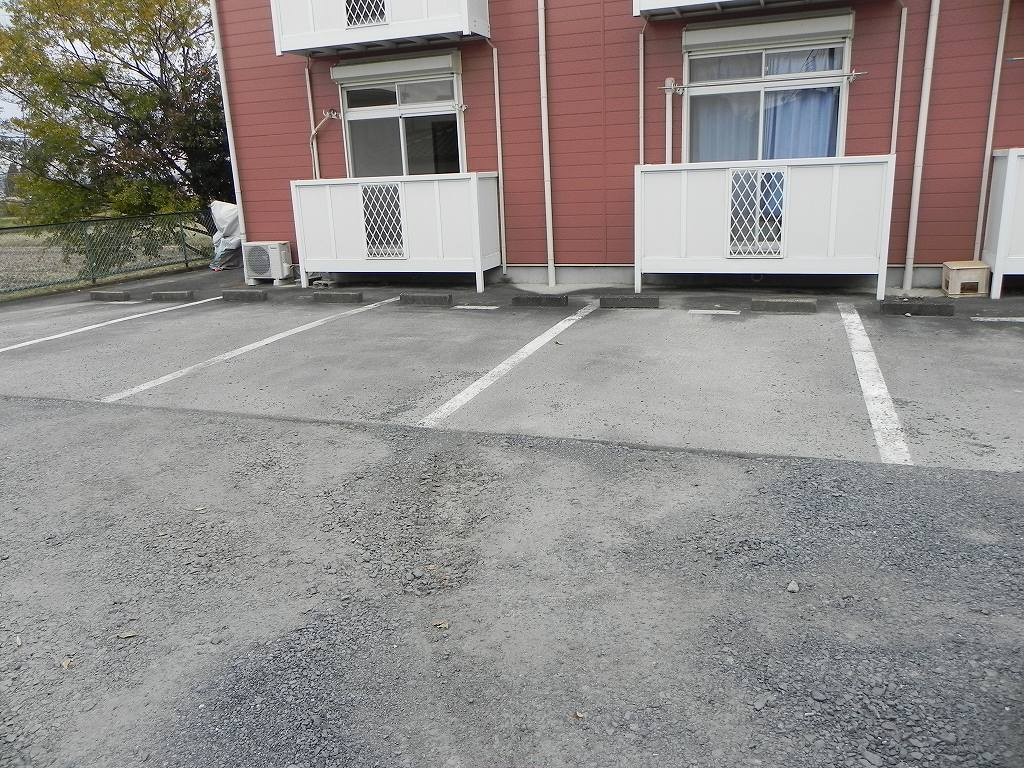 グリーンハイツ 01030号室の駐車場
