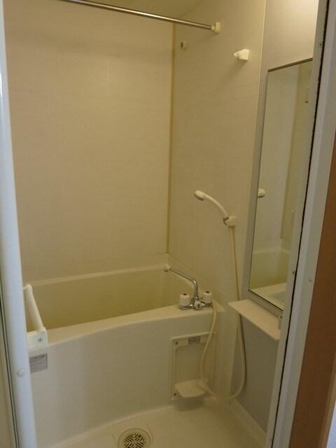 ステーシアⅢ 202号室の風呂
