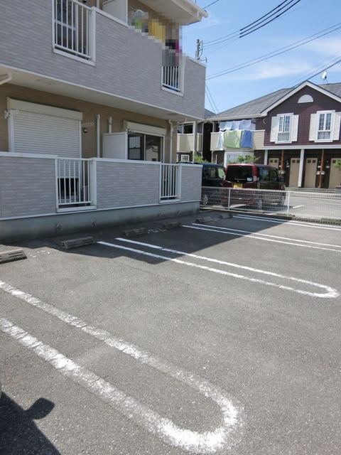 ステーシアⅢ 202号室の駐車場