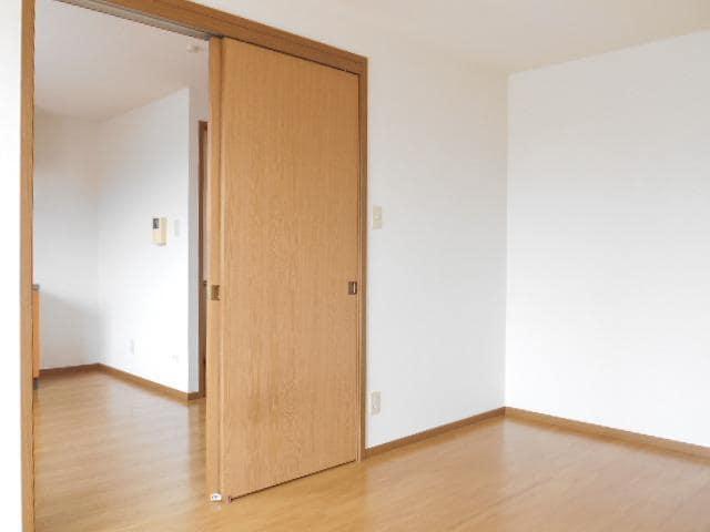 エターナル アルバ E 02020号室の居室