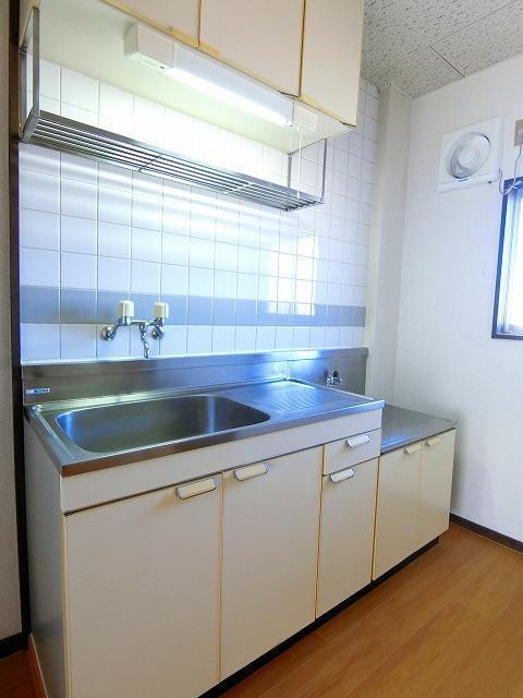 シティハイツ中島 02020号室のキッチン