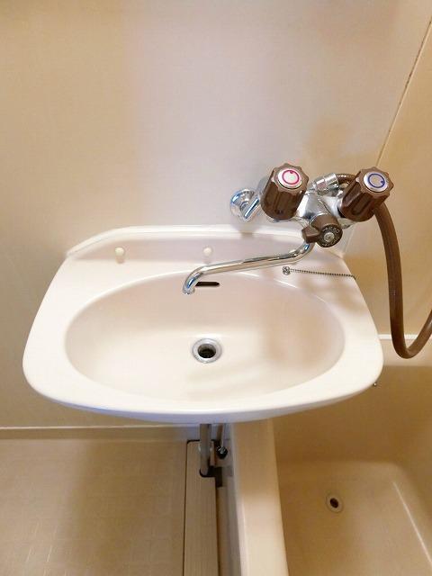 シティハイツ中島 02020号室の洗面所