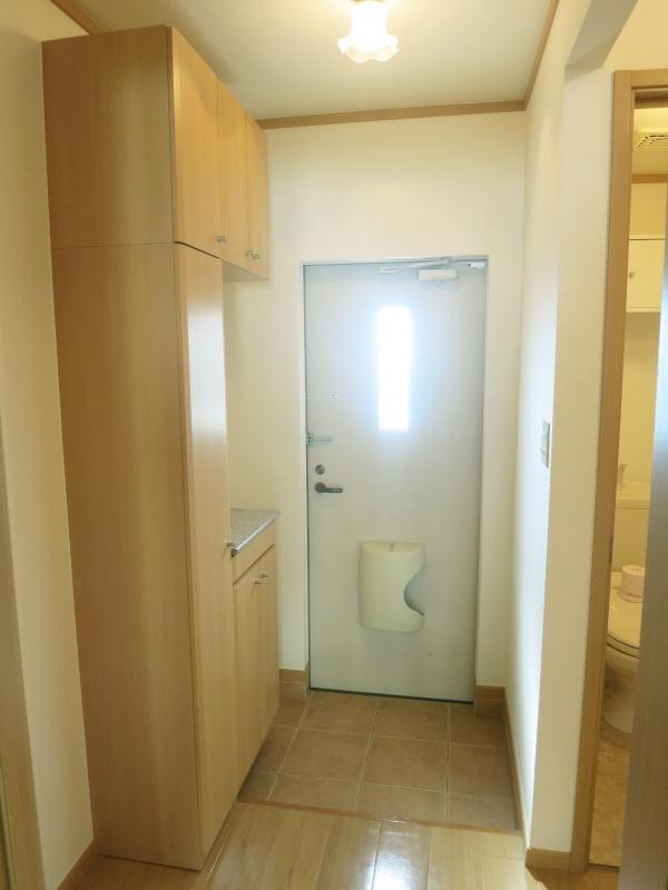 ボナ・ジョルナータ 102号室の玄関