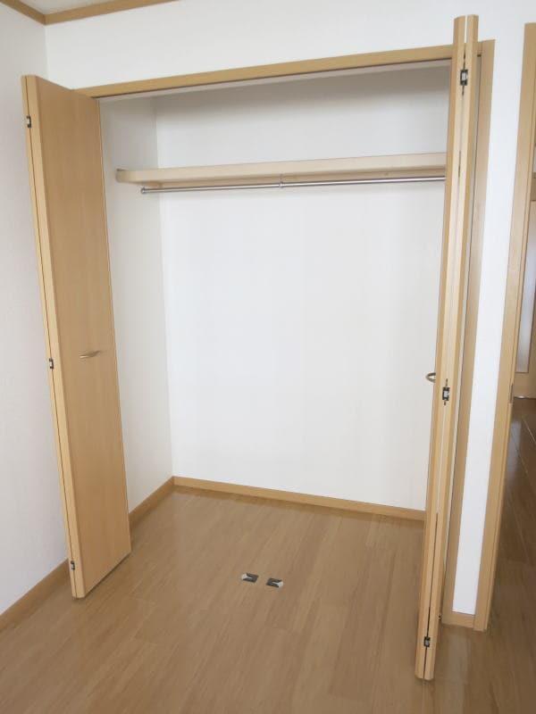 ボナ・ジョルナータ 102号室の収納