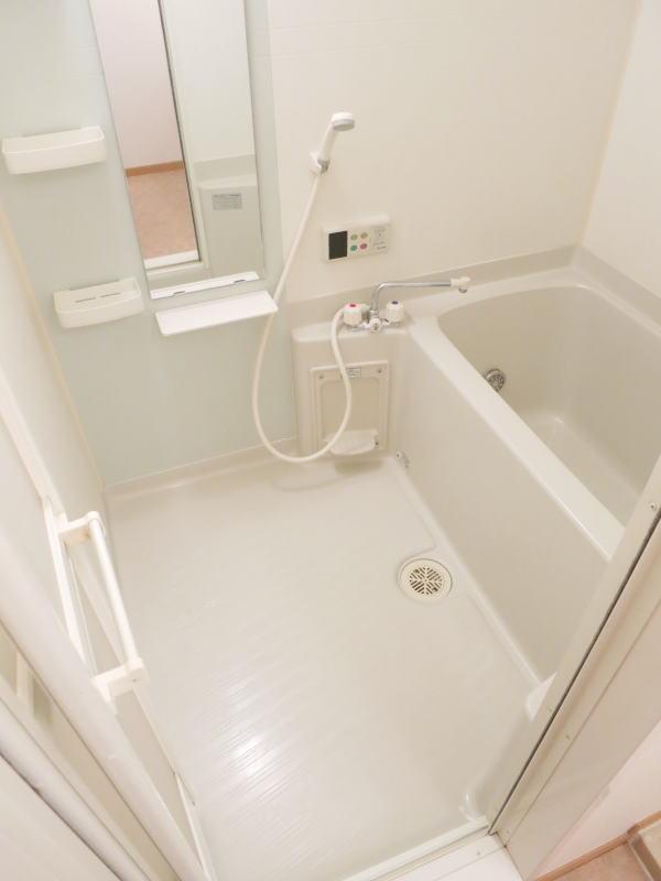 ボナ・ジョルナータ 102号室の風呂