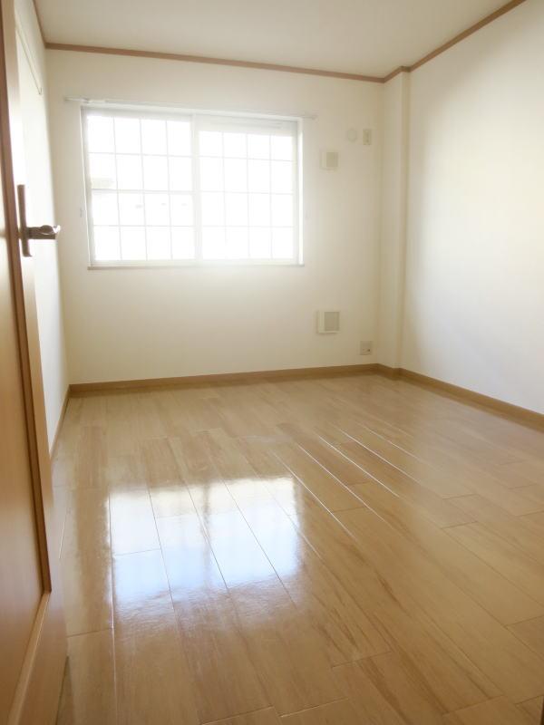ボナ・ジョルナータ 102号室のベッドルーム
