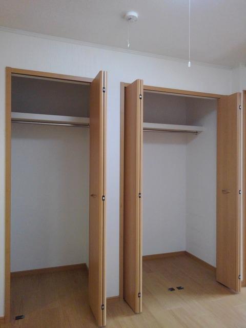 ラネージュⅤ B棟 01020号室の収納