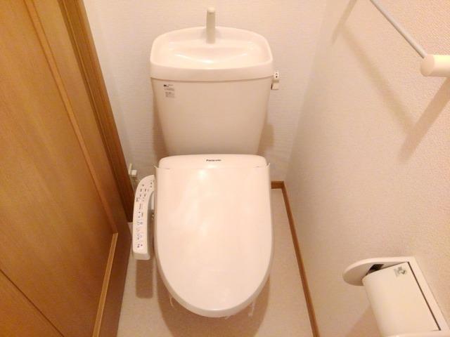 ソレアード 01040号室のトイレ