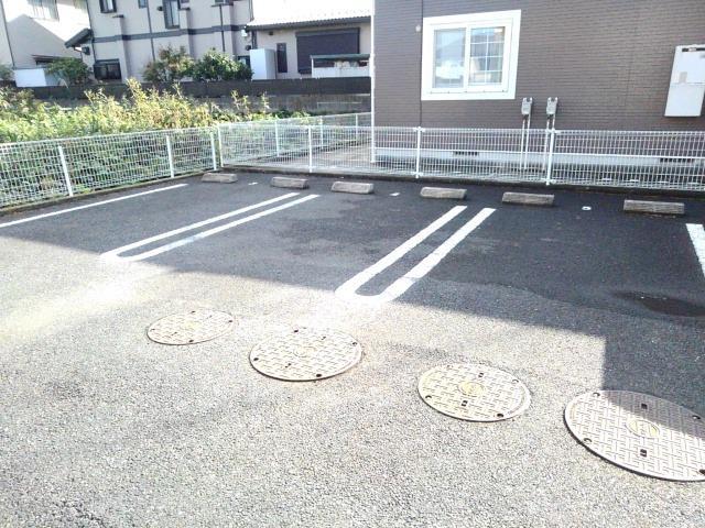 ソレアード 01040号室の駐車場