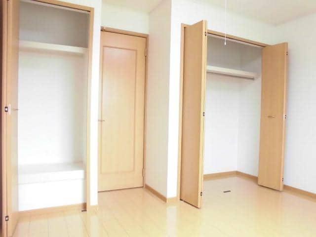 グラースA 02030号室の収納