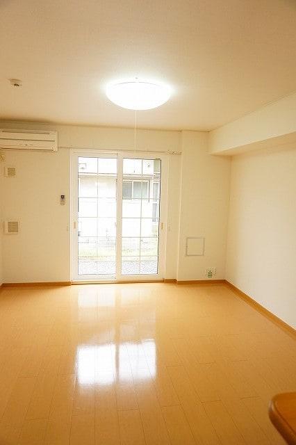 メリオル カザ A 01020号室のリビング