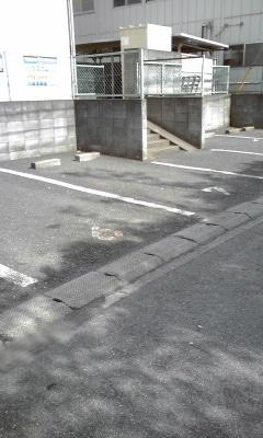 ベルハイツA 01020号室の駐車場