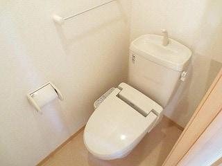 ベルハイツA 01020号室のトイレ