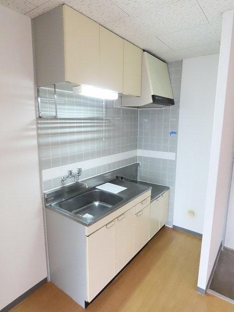 アーバンヒルズ 02050号室のキッチン