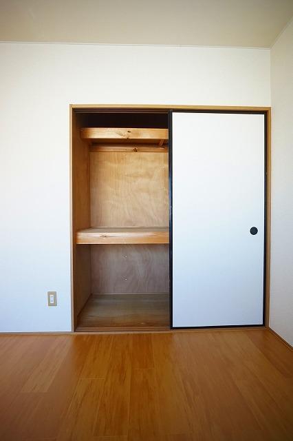 サンハイムα 02030号室の収納