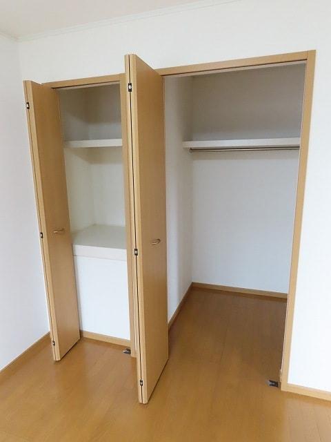 グランシャンテ 02020号室の収納