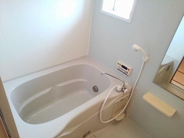 ドゥ・ルポゼ 202号室のトイレ
