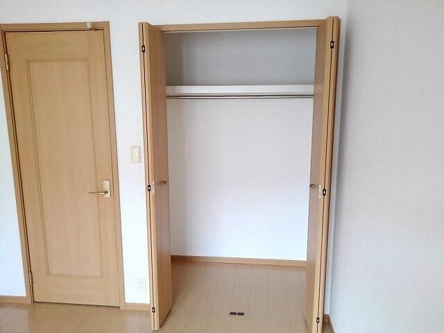 ドゥ・ルポゼ 202号室の収納