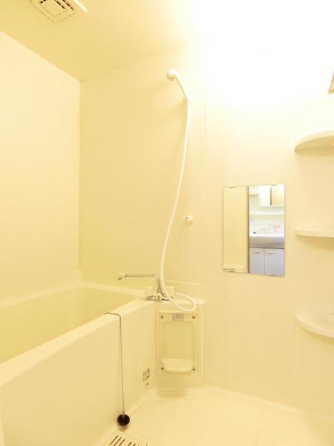 リブィールⅢ 01030号室の風呂