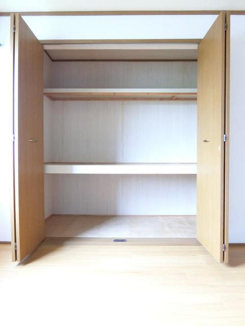 リブィールⅢ 01030号室の収納
