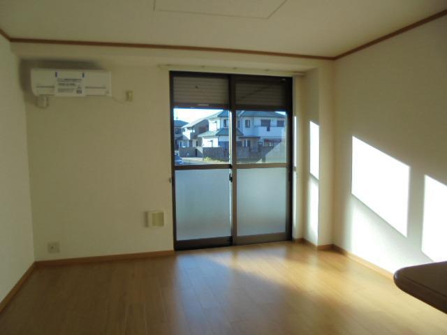 ヒル サイド コート 01060号室のリビング