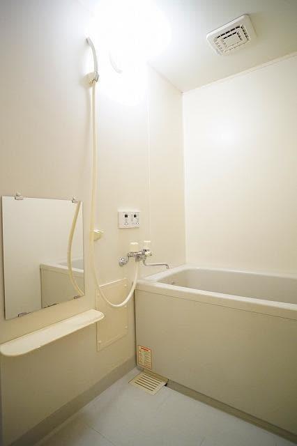 ルミエ-ル小島A 02010号室の設備