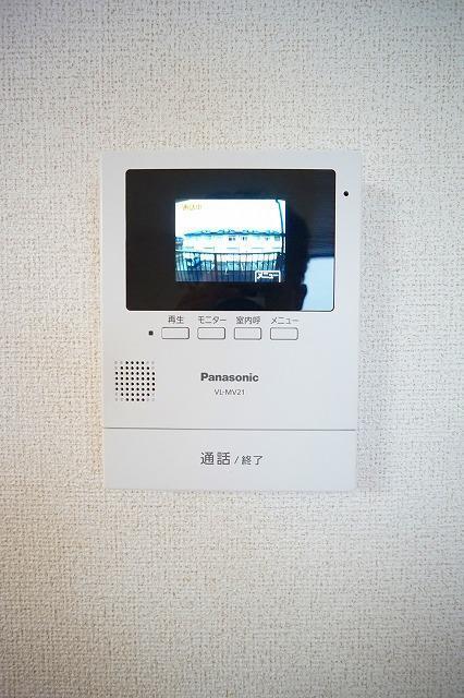 ルミエ-ル小島A 02010号室の玄関