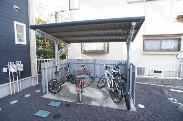 ロ-ズシティ- 02020号室の駐車場