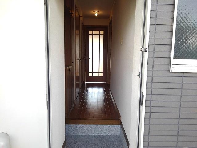 ターニングビレッジA 01010号室の玄関