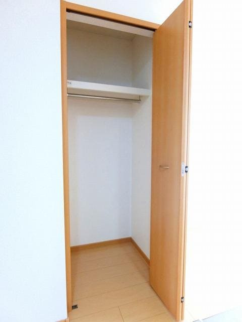 アンビエンテB 02030号室の収納
