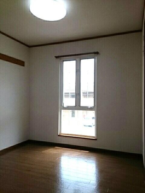 クレストールイイダA 02010号室の居室