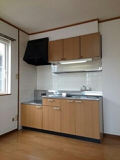 クレストールイイダA 02010号室のリビング