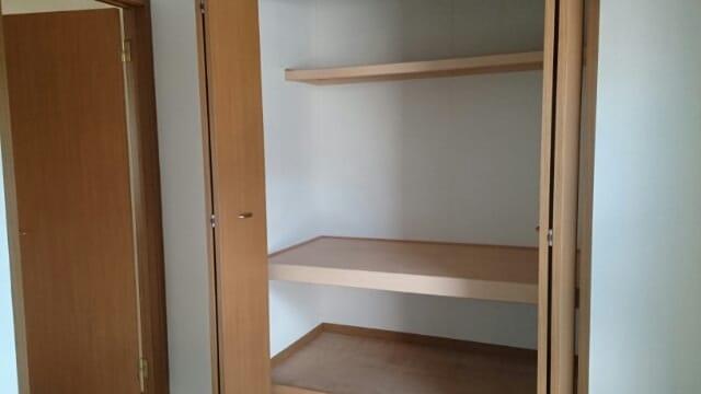 プラースⅢ 205号室の収納