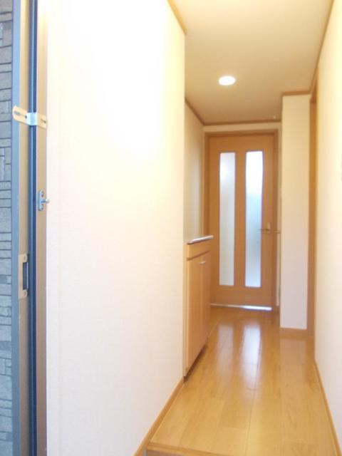 シャロット 01030号室の玄関