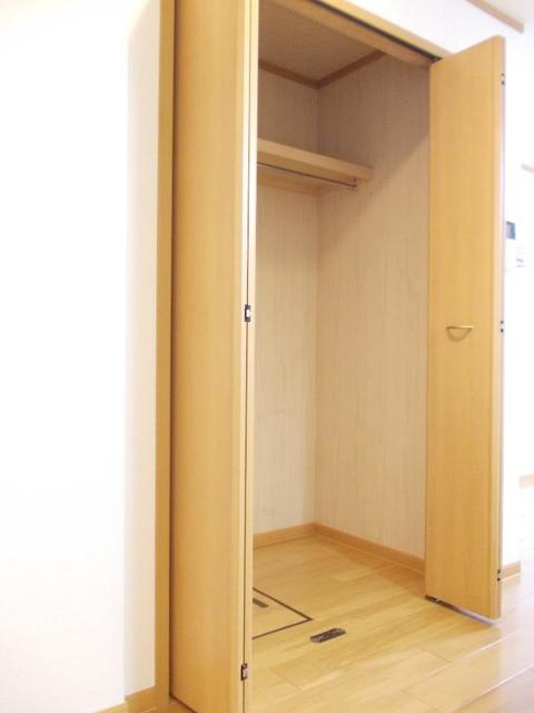 シャロット 01030号室の収納